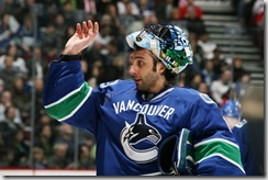 luongo-back-vancouver-stanley-cup